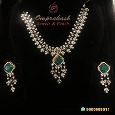 Diamond Necklace Simple, Green Necklace, Diamond Jewelry, Gold Jewelry, Turquoise Necklace, India Jewelry, Latest Jewellery, Pearl Diamond, Necklace Designs