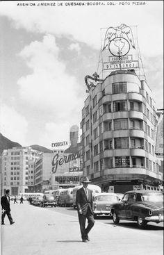 Avenida Jiménez de Bogotá en 1947, un año antes del Bogotazo. End Of The World, Big Ben, Vintage Photos, Street View, Architecture, City, Building, Places, Photography