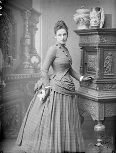 vintage everyday: 20 Stunning Vintage Photos Show What Victorian Female Fashion Looked Like