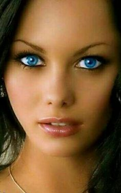 be my guest - monday - Stunning Blue Eyes Stunning Eyes, Gorgeous Eyes, Pretty Eyes, Cool Eyes, Perfect Eyes, Portrait Photos, Beauté Blonde, Interesting Faces, Woman Face