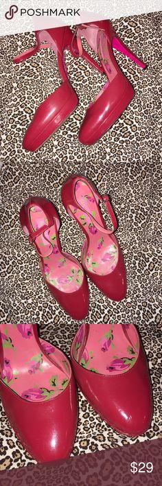 BETSY JOHNSON Red Dressy Rockabilly Heels Sz 8 M This is a pair of BETSY JOHNSON Red Dressy Ankle Strap Rockabilly Heels in a Sz 8 M, good used condition! I ship fast! Happy poshing friends! Betsey Johnson Shoes Heels