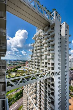 Moshe Safdie Completes Sky Habitat Featuring Landscaped Bridges   See more articles here http://www.delightfull.eu/en/news/