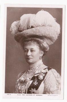 Postcard-The-German-Empress-wife-of-Emperor-Wilhelm-II-Augusta-Victoria