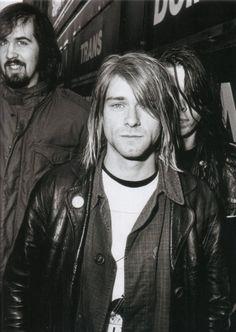 kurtcobainluver4ever:    Kurt is just…ahh!: P
