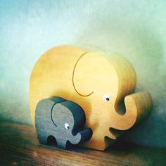 ...wooden elephants Wild Elephant, Wooden Elephant, Elephant Art, Labor, Rhinoceros, Hippopotamus, Ceramic Clay, Trumpet, Wooden Toys