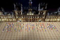 Ce week-end, #Paris sera de nouveau plongé dans une #nuit #blanche que nous attendons toute l'année (nous les parisiens). Cette année le thème sera le #changement #climatique (le #COP21#, pour cela des #artistes vous ont préparé plusieurs #animations et des #effets d'optique et/ou sonores de part et d'autre de la ville. Quant à l'imprévu café, il vous accueillera avec des #boissons #chaudes toute la soirée (mais aussi #alcoolisées). Suivez-nous sur #Instagram, #Twitter et/ou #facebook