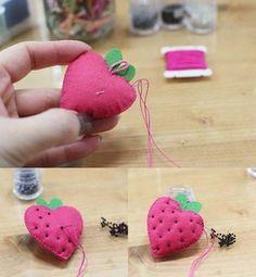 Làm móc treo hình quả dâu đáng yêu và siêu đơn giản/ felt strawbery