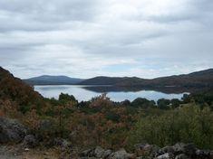 Paisaje desde la Senda de los Monjes. Lago de Sanabria (Zamora) River, Mountains, Nature, Outdoor, Lakes, Monuments, Museums, North West, Paths
