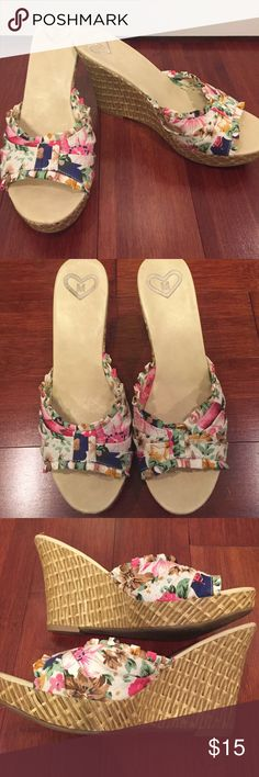 Flower material wedges. Size 8.5 Flower material wedges. GUC Shoes Wedges