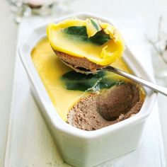 Chicken liver and brandy pâté This Christmas starter tastes delicious with caramelised onion chutney and toasted sourdough bread Chicken Pate Recipe, Chicken Liver Pate, Chicken Livers, Chicken Recipes, Appetizer Recipes, Snack Recipes, Cooking Recipes, Liver Pate Recipe, Christmas Starters