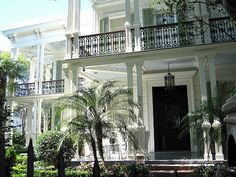 garden district new orleans homes | Garden District has many fine