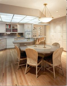 Kingsport Residence No. 4 -Kitchen Redesign with carved glass under-lit with fiberoptics . Carved Glass designed by Sherrie Sullivan Glass Design, Architecture, Places, Kitchen, Table, Furniture, Home Decor, Arquitetura, Cooking
