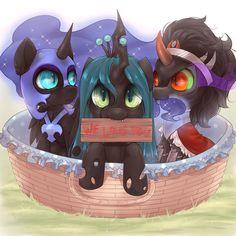 Sombra eating Nightmare Moon's mane...  xD