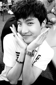 BTS   JHOPE   aegyoooo♡