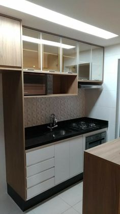Small Kitchen Designs 30 Designs Perfect for Your Small Kitchen area Small Apartment Kitchen, Condo Kitchen, Home Decor Kitchen, Home Kitchens, Kitchen Cabinets, Kitchen Office, Small Kitchens, White Cabinets, Kitchen Hacks