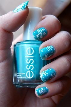 Welcome snowfall with snowflake Nails
