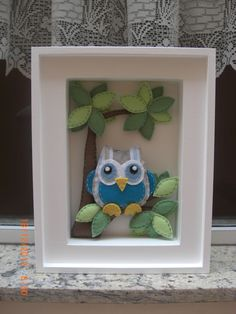 Cute owl in a frame idea Felt Pictures, Fabric Pictures, Doll Crafts, Diy Doll, Scrabble Frame, Felt Crafts Patterns, Cute Embroidery, Felt Birds, Felt Diy