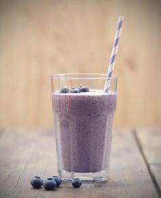Smoothie revigorant aux bleuets et yogourt/Le petit secret, c'est le jus d'ananas!/fraîchement pressé