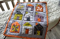 Eerie Mini Haunted House Quilt Thimble Blossoms Dwell a seasonal quilt like this would be cute House Quilt Patterns, House Quilts, Barn Quilts, Halloween Sewing, Halloween Quilts, Small Quilts, Mini Quilts, Miniature Quilts, Doll Quilt