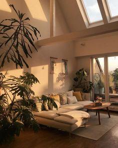 when-the-sun-hits-the-couch-whenthesunhits-sun-favoriteplace-home-interior-couch-urbanjungle-light-sunlight-plants-plants-plants/ SULTANGAZI SEARCH Interior Design Minimalist, Minimalist Bedroom, Minimal Design, Modern Design, Dream Apartment, Apartment Interior, Home Interior, Small Apartment Bedrooms, Natural Interior