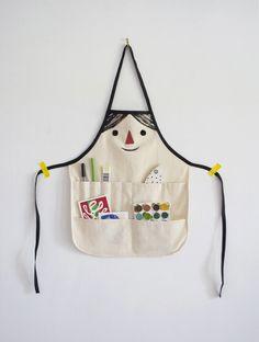 Adorable DIY kids craft apron tutorial via Mer Mag - fun back to preschool project.