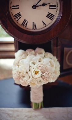 Simple and beautiful ... reminds me of my bouquet from Tom and my wedding (except I added touches of UNC baby blue for my groom)!  ;o)