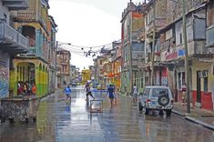 Ciudad de Colón, la segunda en importancia del istmo de Panamá. Actualmente se está empezando a remodelar y reconstruir las principales vias. Flor Fossatti.