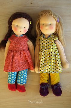 Handgemachte Puppen im Waldorfstil mit Lotta dress von Compagnie M | Handmade clothdolls after Waldorf wearing a Lotta dress by Compagnie M | Moritzwerk