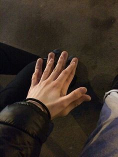 couple, ship, and hands image Gay Tumblr, Tumblr Couples, Gay Aesthetic, Couple Aesthetic, Cute Gay Couples, Cute Couples Goals, Cute Relationship Goals, Cute Relationships, Couple Goals Cuddling