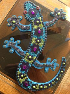 How to Make an Outdoor Wall Gecko Decoration