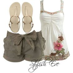 Outfits Beach Wear with Shorts, Perfect Out of Water Style The countdown until Labor Day is on; we have the perfect out-of-the-water beach style for you among the Stylish Eve Outfits Fashion Moda, Cute Fashion, Fashion Outfits, Womens Fashion, Fashion Trends, Fashion Guide, Fall Fashion, Beach Fashion, Petite Fashion