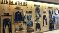 Ideas For Clothes Shop Interior Boutiques Visual Merchandising Retail Wall Displays, Denim Display, Fashion Retail Interior, Clothing Store Displays, Store Layout, Backdrop Design, Store Windows, Shop Interiors, Showcase Design