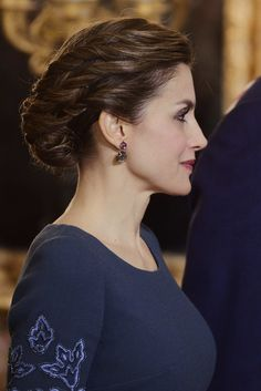 Queen Letizia of Spain Photos Photos - Queen Letizia of Spain attends the Pascua Militar ceremony at the Royal Palace on January 6, 2017 in Madrid, Spain. - Spanish Royals Celebrate New Year's Military Parade 2017