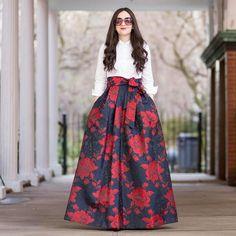 Indian Dresses For Women, Stylish Dresses For Girls, Indian Fashion Dresses, Indian Designer Outfits, Fashion Outfits, Long Skirt Fashion, Long Skirt Outfits, Fancy Dress Design, Stylish Dress Designs