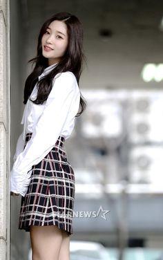 [Interview] Jung Chae-yeon Looks Up to Jeon Ji-hyun and Suzy @ HanCinema :: The Korean Movie and Drama Database Golden Life, Suzy, Interview, Mini Skirts, Women, Fashion, Moda, Women's