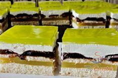 Recept elkészítése Zöld Shrek szelet, lépés 1 Shrek, Hungarian Recipes, Kiwi, Cheesecake, Crafts For Kids, Food And Drink, Meals, Cookies, Drinks