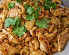 Crockpot Cashew Chicken Recipe By Metabolic Cooking Book:   Ingredients: 2 lbs boneless, skinless chicken thigh tenders or chicken breast tenders 1/4 cup all purpose flour 1/2 tsp black pepper 1 Tbsp canola oil 1/4 cup soy sauce 2 Tbsp rice wine vinegar 2 Tbsp ketchup 1 Tbsp brown sugar 1 garlic clove, minced 1/2 tsp grated fresh ginger 1/4 tsp red pepper flakes 1/2 cup cashews