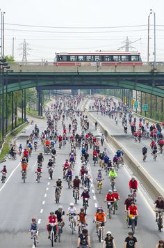 A few shots this morning from the 25th Anniversary Ride for Heart along the Don Valley Parkway in Toronto. I rode this event last year. It was such a cool experience.
