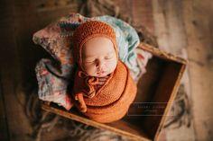 Organic newborn photography. Newborn photo session. Newborn photos. Newborn photographer.