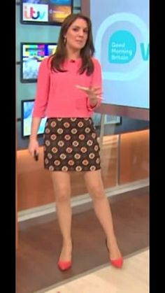 Stylish Clothes, Stylish Outfits, Itv Weather Girl, Hottest Weather Girls, Robin Meade, Tv Girls, Beautiful Females, Tv Presenters, Dolly Parton