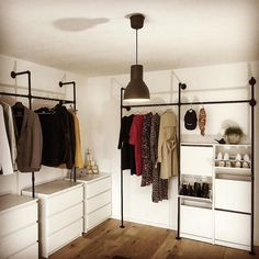Do you also need more space for shoes and clothes? We help you in # # … - Kleidung Ideen 2019 Walk In Wardrobe, Wardrobe Rack, Ikea Bedroom, Bedroom Decor, Diy Clothes Bleach, Hack Ikea, Ikea Malm, Best Ikea, Diy Kitchen Island