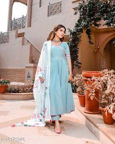 Simple Pakistani Dresses, Pakistani Dress Design, Pakistani Outfits, Indian Outfits, Pakistani Clothing, Casual Indian Fashion, Indian Fashion Dresses, Simple Kurti Designs, Kurta Designs Women