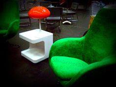 sillas y mesita estilo vintage Feria desembalaje de antigüedades 2013