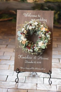 Top 15 Christmas Wedding Welcome Signs to Rock - Woods and Fairy Flower Decorations, Wedding Decorations, Wedding Welcome Board, Diy Wedding, Wedding Flowers, How To Preserve Flowers, Flower Boxes, Christmas Wedding, Artificial Flowers