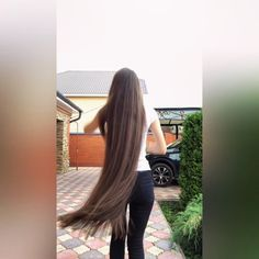 VIDEO on Instagram Long Red Hair, Super Long Hair, Long Hair Video, Silky Hair, Beautiful Long Hair, Layered Cuts, Dream Hair, Female Images, About Hair