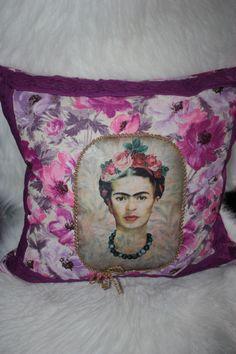 1000 images about frida kahlo love on pinterest frida kahlo diego rivera and frida khalo. Black Bedroom Furniture Sets. Home Design Ideas