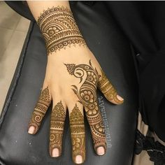 We have got a list of top Mehndi designs for Hand. You can choose Mehndi Design for Hand from the list for your special occasion. Simple Arabic Mehndi Designs, Mehndi Designs 2018, Finger Henna Designs, Modern Mehndi Designs, Mehndi Design Pictures, Wedding Mehndi Designs, Mehndi Designs For Fingers, Dulhan Mehndi Designs, Beautiful Henna Designs