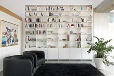 Inspiration 19 Great Designs Of Wall Shelving Unit For Living Room – Home Office Design İdeas Living Room Shelves, New Living Room, Living Room Modern, Living Room Designs, Living Room Decor, Minimalist Bookshelves, Cool Bookshelves, Bookshelf Design, Modern Bookcase