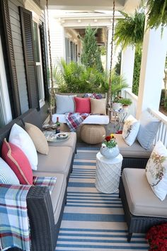 Learn easy and inexpensive ways to clean and decorate your porch this fall. Find out my special cleaning solution for getting rid of mold and algae on white outdoor cushions and pillows.