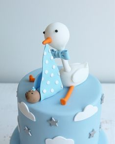 Whether you are going to order or bake your baby shower cake, you will need some inspiration! We have collected 25 baby shower cake ideas just for you! Baby Shower Cakes For Boys, Baby Boy Cakes, Baby Shower Cookies, Baby Boy Shower, Baby Shower Cake Designs, Baby Shower Kuchen, Stork Baby Showers, Baby Stork, Stork Cake